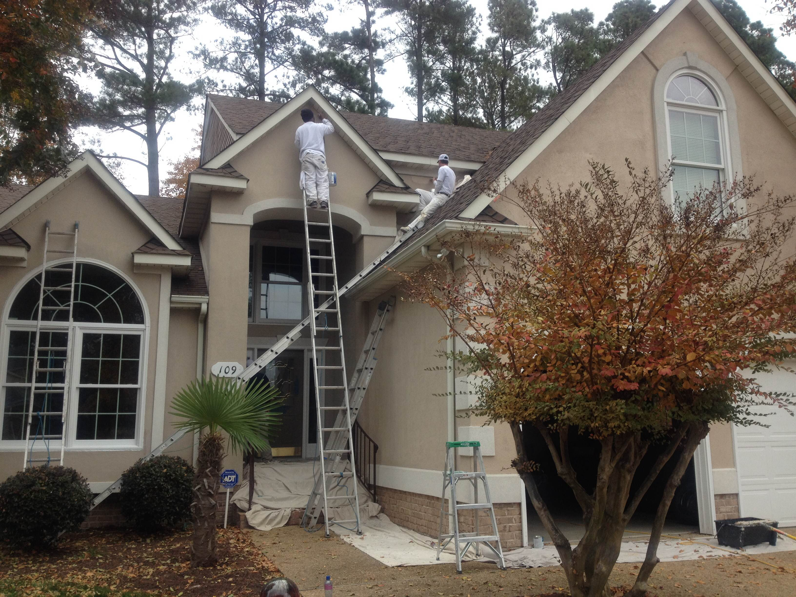 Straight edge painting yorktown va house painters for Exterior house finishes
